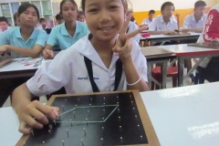 Student_with_geoboard_2_Q2
